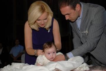 Oana Andoni si-a botezat fetita la Sinaia