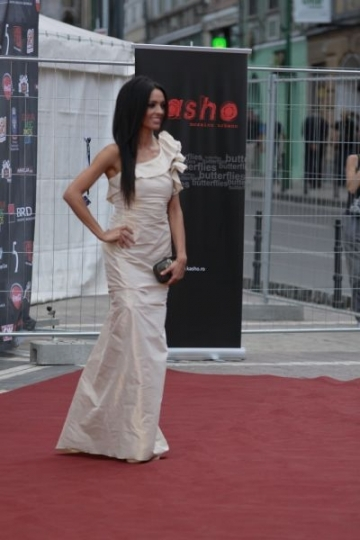 RMA 2011: Andreea Balan, remarcata pentru imaginea sexy