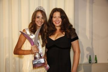Miss Teenager Romania a castigat trei premii in Guatemala