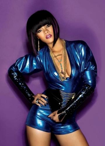 Rihanna a renuntat la inhibitii intr-un club de striptease