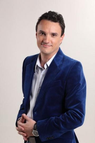 """Mondenul"" Angel Popescu face parte dintr-un ""cuplu ciudat"""