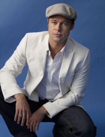 Brad Pitt isi mai doreste copii