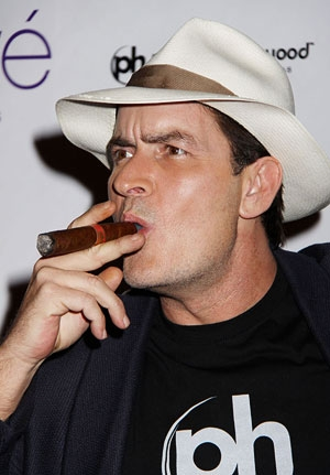 Charlie Sheen, intr-un nou sitcom din vara lui 2012