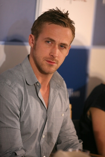 Actorul Ryan Gosling gandeste ca o... fata