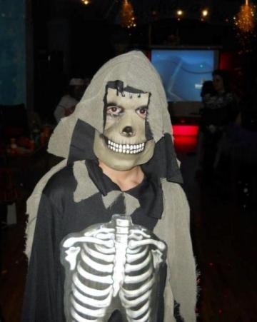 Anca Serea si-a decorat curtea de Halloween