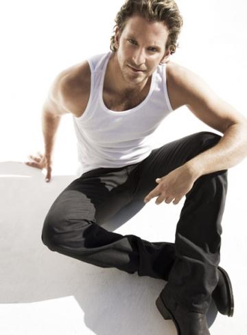 Bradley Cooper, cel mai sexy barbat din lume, desemnat de People