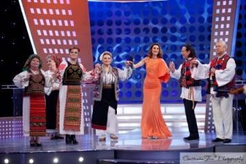 Mihaela Tatu, interpreta de folclor la emisiunea Iulianei Tudor