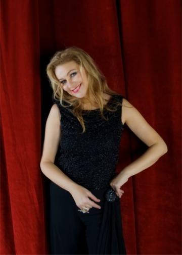 Premiera absoluta: trei dive in concert extraordinar de Craciun