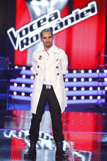 Anthony Icuagu, concurent la Vocea Romaniei, regizor pentru Taxi