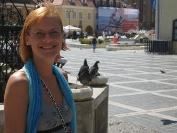 """Malina Olinescu, inmormantata pe acordurile melodiei """"Je t'aime"""""""