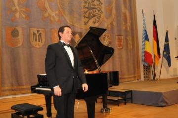 Horia Mihail concerteaza in Germania