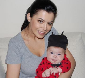 Simona Patruleasa, primele sarbatori alaturi de fetita ei!