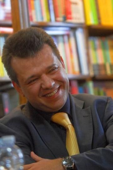Bogdan O. Popescu, despre legatura dintre medicina si poezie