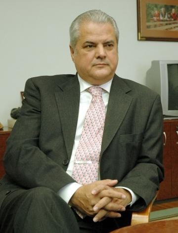 Adrian Nastase, condamnat la doi ani de inchisoare