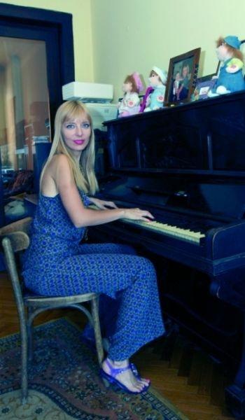 Roxana Iliescu vrea sa se inscrie la Facultatea de Teatru