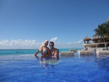 Anda Adam si Victor Slav s-au bronzat in plina iarna in Cancun