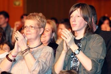 Crina Mardare a fost coplesita de emotii la concertul fiului sau