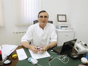 """Dr. Ioan Nedelcu promoveaza utilizarea """"apei vii"""" in estetica medicala"""