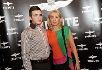 Radu Mazare Jr., manechin pentru mama sa