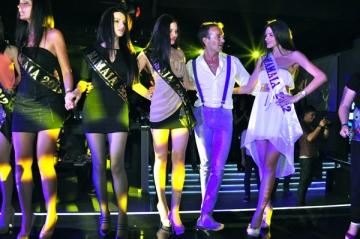 Radu Mazare i-a adus grecului Kostas Martakis 12 fete de la Miss Mamaia