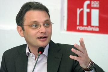 "Luca Niculescu: ""In Romania, presa scrisa este aproape inexistenta"""