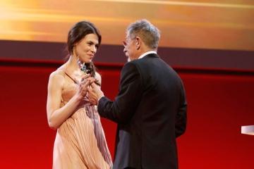 Ana Ularu aleasa sa joace in cel mai recent film al Susannei Bier