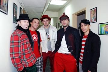 Trupa Simplu ezita sa lanseze un al treilea single