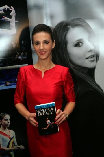 """Andreea Raducan: """"Lectiile de viata se invata greu"""""""