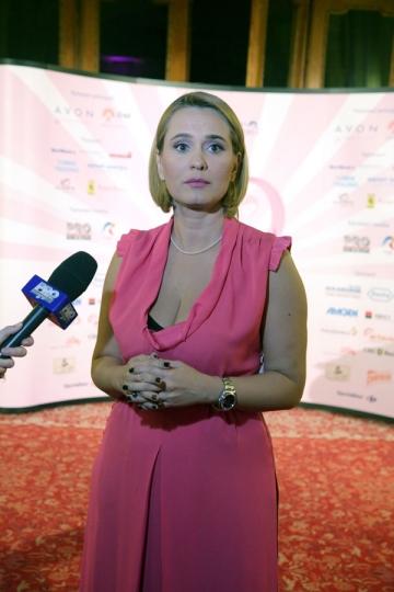 """Andreea Esca: """"Rutina se poate transforma intr-o prietenie"""""""