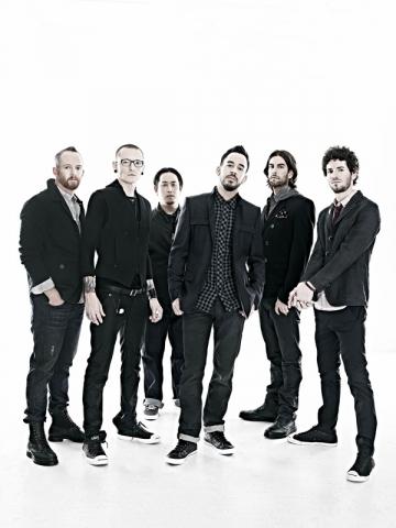 Linkin Park vor canta pe o scena adusa din Republica Ceha