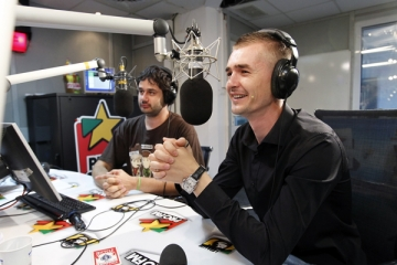 Cristian Gog i-a fascinat cu numerele sale pe Sara si Nicolai