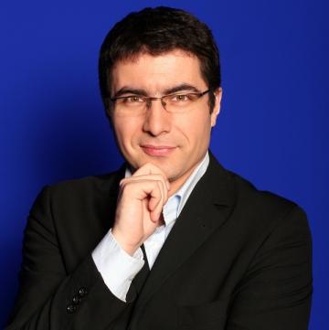 """Cristian Leonte se pregateste cu seriozitate pentru """"meseria"""" de tata"""