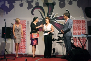 Andreea Marin Banica si Adriana Nicolae s-au intalnit pe scena Premiilor VIP