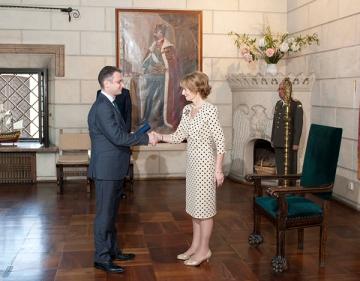 """Luca Niculescu a primit """"Medalia pentru loialitate"""" din partea Casei Regale"""