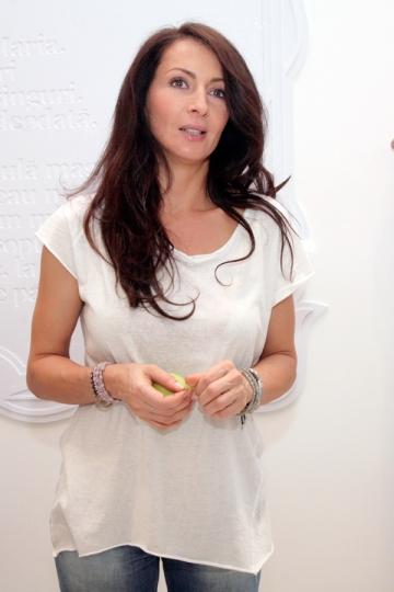 Mihaela Radulescu a provocat vedetele autohtone la o proba de creativitate