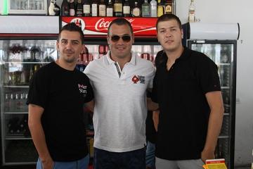 Ionut Iftimoaie promoveaza pokerul pe plaja de la Navodari