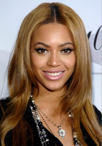 Beyonce va regiza un documentar autobiografic