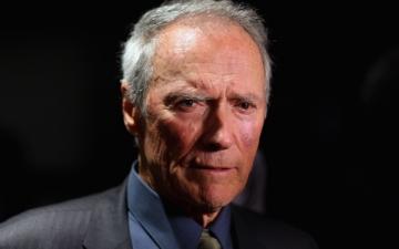 Clint Eastwood se alatura sustinatorilor lui Mitt Romney
