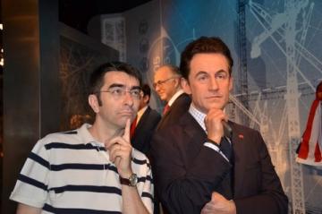 Mihai Gainusa s-a intalnit cu Sarkozy si Clooney la... muzeul figurilor de ceara