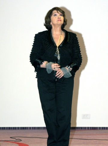 Margareta Paslaru a cantat noua sa melodie la Gala Premiilor VIP