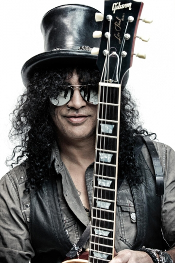 SLASH, un zeu al muzicii rock, in Romania