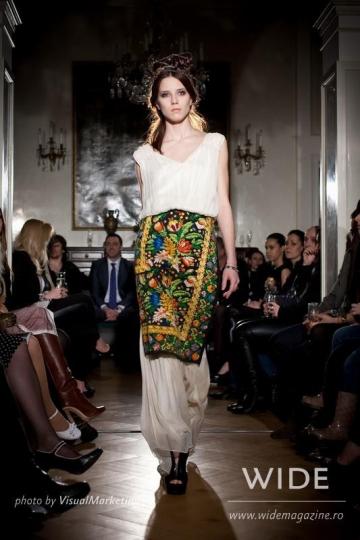 Folclorul romanesc, muza creatorilor de moda de pretutindeni