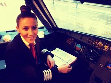 Andreea Litescu, prima femeie comandant a Wizz Air, la doar 29 de ani