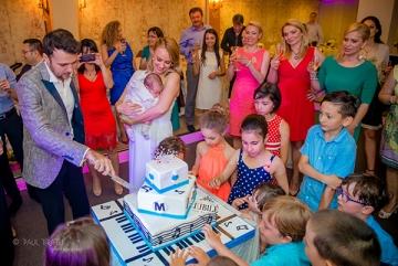 Spectacol pentru cei mici si cei mari, la botezul fiului Oanei Ionita!